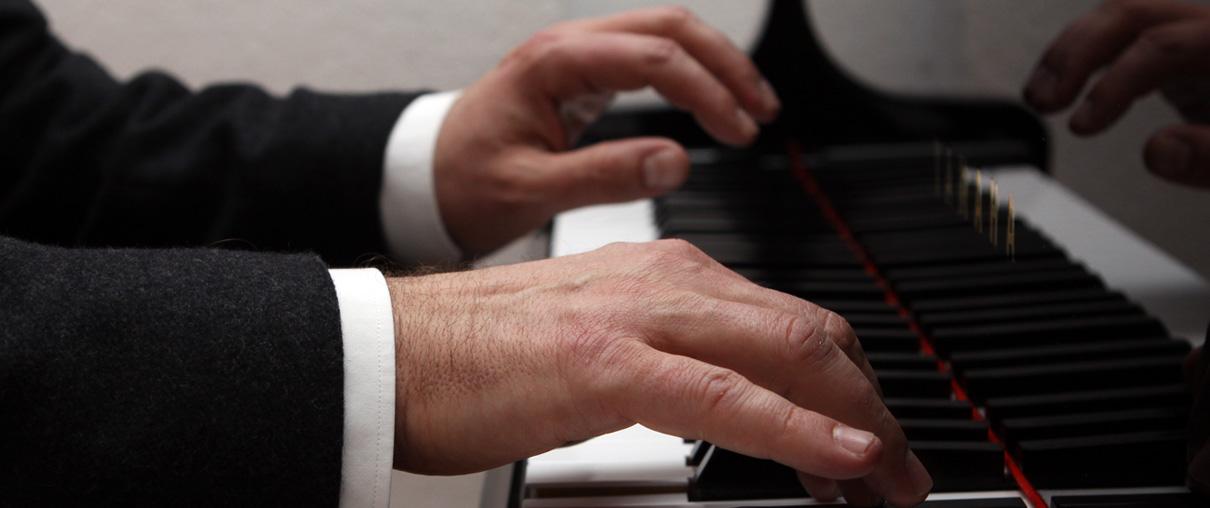 Fingerhaltung von Klavierlehrer Anton Wildemann